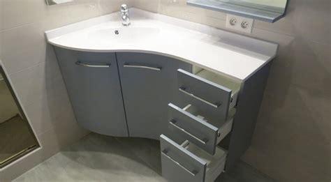 Charmant Meuble Salle De Bain En Coin #1: meuble-angle-gris-et-blanc-salle-de-bain.jpg