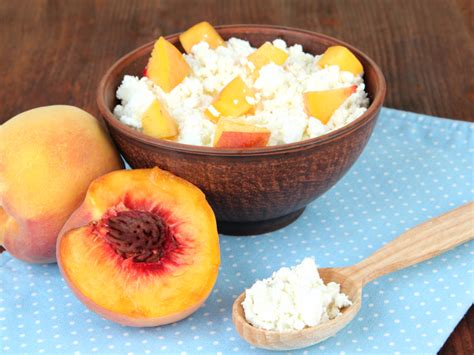 what to eat with cottage cheese what to eat with cottage cheese