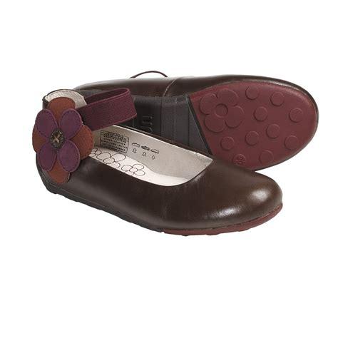 Kwalitas Oke Sepatu Kulit Leather Flat Shoes Wanita Coklat Catenzo tips merawat barang barang dari bahan kulit laugh