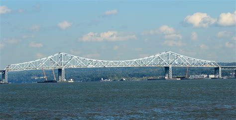 tugboat sinks tappan zee tug boat sinks near new tappan zee bridge 2 missing new