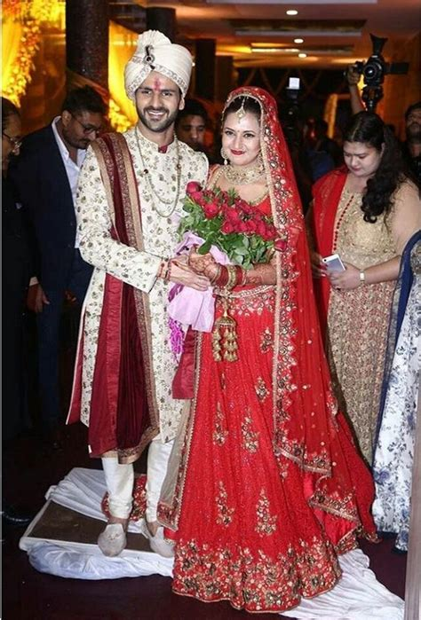 vivek dahiya wedding pics check out divyanka tripathi and vivek dahiya wedding pics