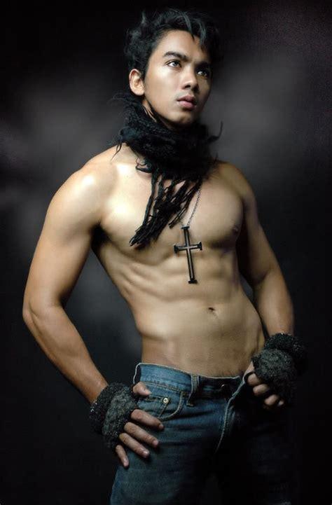 Hot Pinoy Man Johnron Tanada