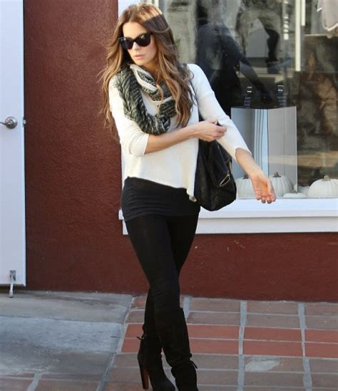 stylish outfits for 35 yr old women fashion stylish over 40 for casual and romantic dating