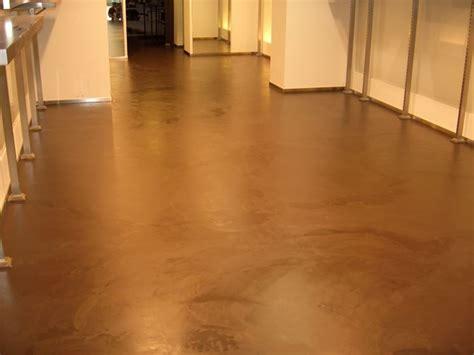 resine per pavimenti fai da te i pavimenti in resina pavimento da esterno
