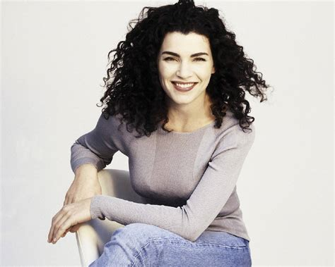 julliana margulies hair what does hollywood have against curly hair that s normal