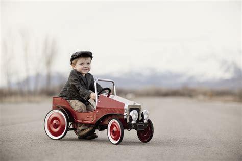 pedal cars safe  kids howstuffworks