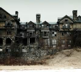 abandoned places surviving the dead
