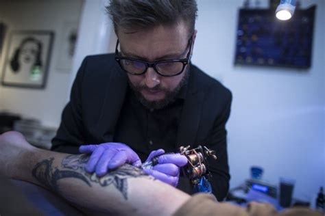 tattoo artist salary artist salary net worth