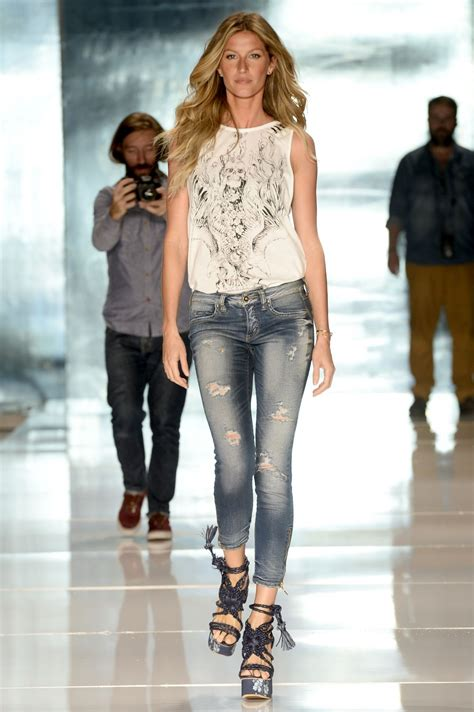 latest vogue style colcci jeans dresses 2015 gisele bundchen colcci summer 2015 fashion show april 2014