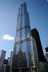 donald trump s ego turns beautiful soaring chicago tower