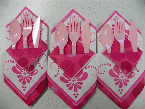Paper Napkins Folding - a bit of this and that easy napkin folding tip