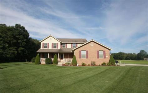 Garage Sales Lake County Ohio Homes With Big Garages And Outbuildings In County Ohio