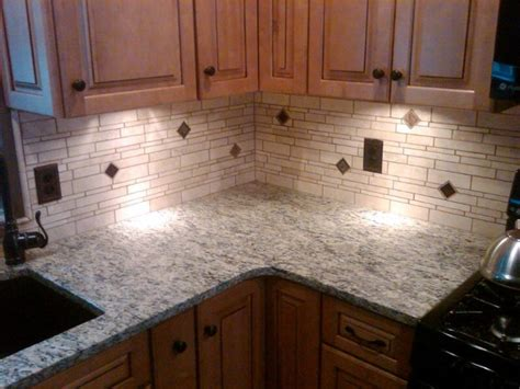 irregular light travertine backsplash traditional