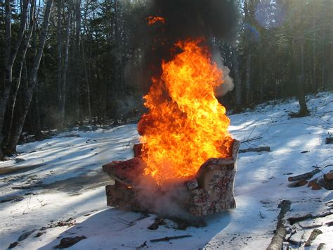 burning couches file burning couch jpg wikimedia commons