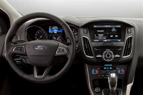 2015 Focus Interior by Spyshots 2015 Ford Focus Facelift Interior Revealed