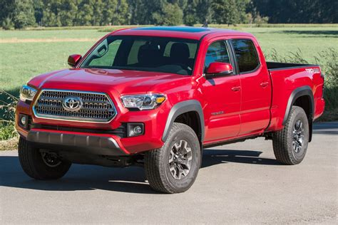 2016 toyota tacoma double cab review ratings edmunds 2016 toyota tacoma sr market value what s my car worth