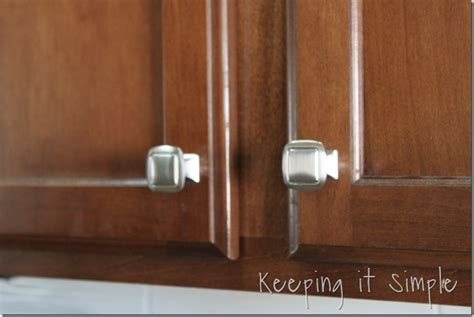 how to install kitchen cabinet hardware keeping it simple easy way to update a kitchen how to