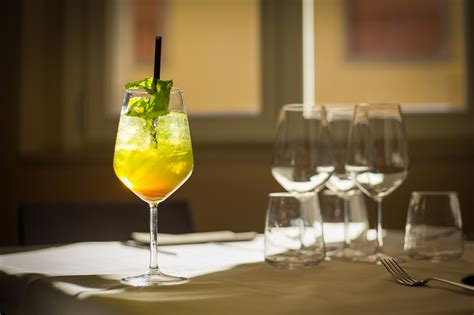 come fare il limoncello a casa limoncello tonic il drink facile da provare a casa la