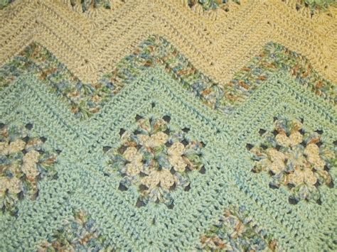 free pattern ripple afghan simply crochet and other crafts grannies and ripples afghan