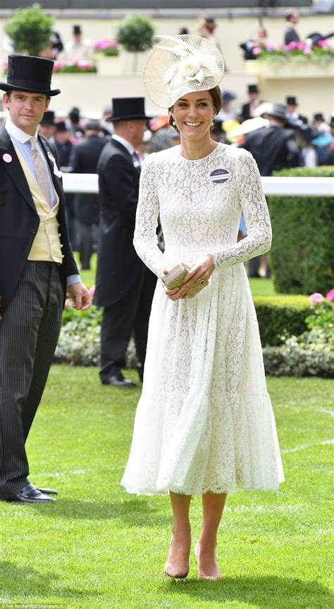 Kate Middleton S 3 Dresses In 1 Day Channels Katniss by Kate Middleton Arrives To The Royal Ascot In A Lace D G Dress