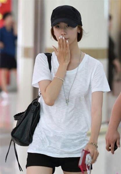Tshirt Baju Kaos Toda Racing 윤아 공항패션 흰 티셔츠 하나 입었을 뿐인데 이투데이