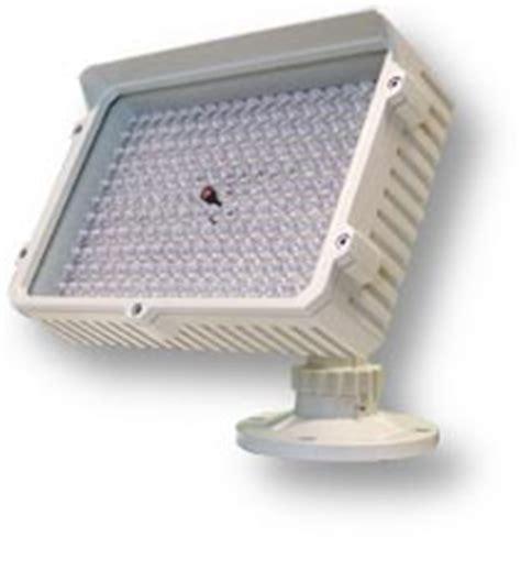 illuminatori infrarossi illuminatori a infrarossi fari infrarossi illuminatori