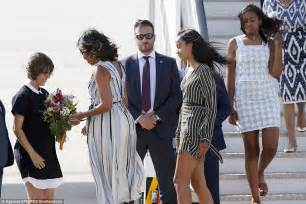 Premium Mixco Dress barack obama land in windy madrid after jaunt to