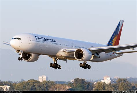 philippine airlines boeing 777 flights rp c7776 philippines airlines boeing 777 300er at