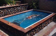 decoracion de jardines pequeños con estanques una piscina peque 241 a en el patio trasero un gran capricho