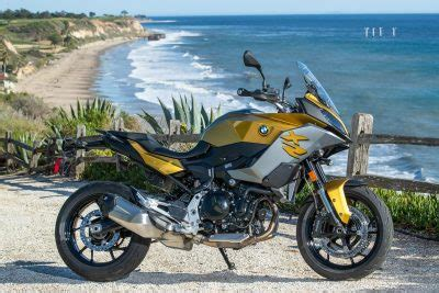 bmw   xr review touring  commuting  fast facts