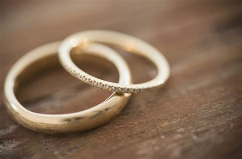 Search For Married New Wedding Ring Has Married Embossed On The Inside Aol Lifestyle