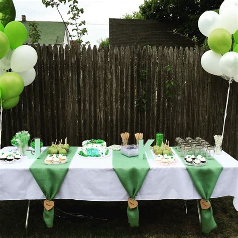 Two Peas In A Pod Baby Shower Decorations by Best 25 Baby Showers Ideas On Baby