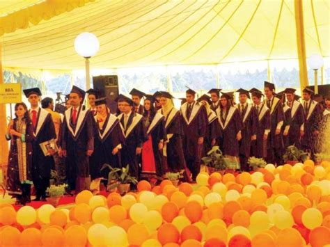 Does A Mba Receive A At Graduation by After Landing Their Graduates Get Their