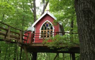 not just for 4 tree houses to stay in near state