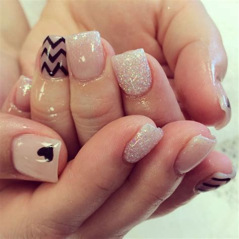 Clear Nail by Best 25 Clear Glitter Nails Ideas On Silver
