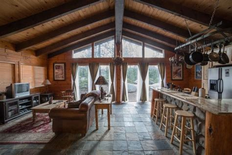 cozy lake tahoe cabin great room traditional family room