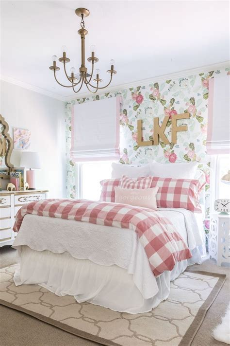 little girl wallpaper for bedroom 25 best ideas about big girl rooms on pinterest big