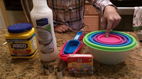 30 amazing uses of corn starch diy home remedies how to make play dough using corn starch and hair