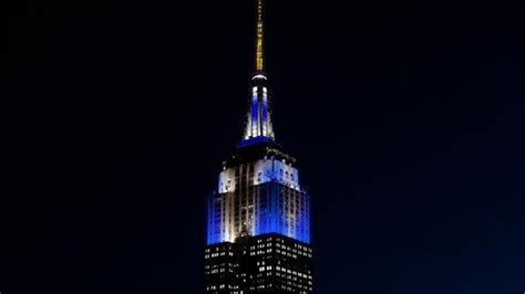 Empire State Building Lights Schedule by Empire State Building Lights Up For Thanksgivukkah Itv