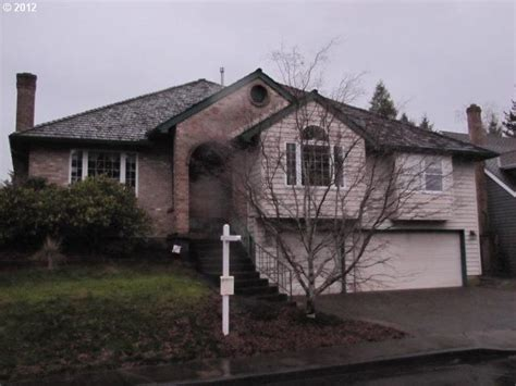 Houses For Sale In Beaverton Oregon by 13575 Sw Hiteon Ct Beaverton Oregon 97008 Foreclosed