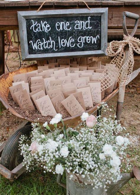Garden Wedding Favors by 30 Rustic Summer Wedding Ideas Weddingomania