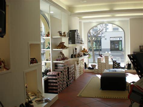 arredamento negozio calzature arredamento per negozio di calzature toscana belardi