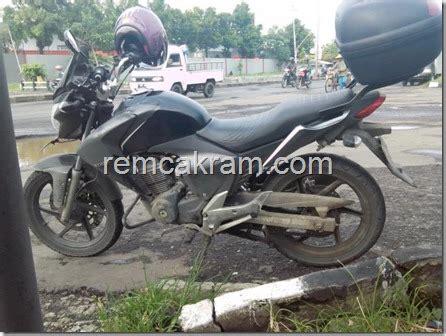 Lu Hid Motor New Megapro modifikasi honda new megapro bergenre touring ala ahm