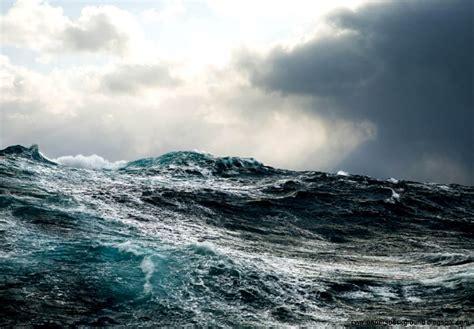 ocean storm waves wallpaper high resolution minionswallpaper