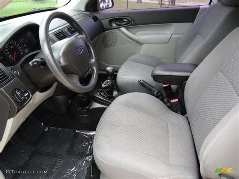 2006 Ford Focus Interior by Charcoal Light Flint Interior 2006 Ford Focus Zx3 Se