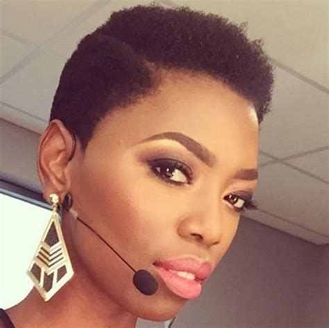 ladies hair cut mzansi 12 mzansi celebs who proudly rock their natural hair