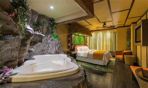 theme hotel west edmonton mall modern polynesian theme room fantasyland hotel bedroom