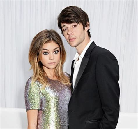 sarah hyland touched by an angel julie bowen praises tv kid sarah hyland after abusive