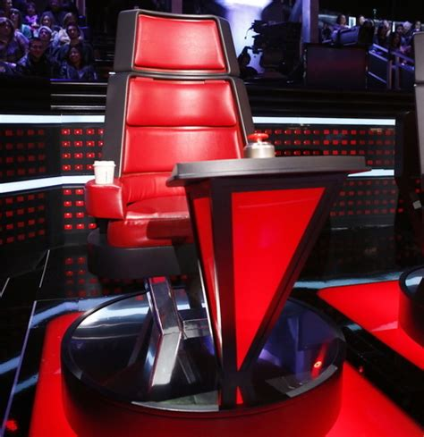 the voice chair charitybuzz 4 vip tickets backstage tour at the voice