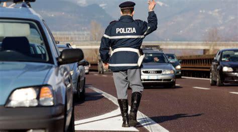polizia stradale reggio emilia ufficio verbali finti poliziotti sull a22 multavano conducenti stranieri